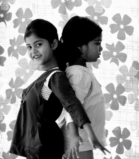 children dancing india