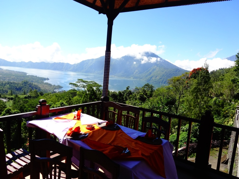 Breakfast with a view of Mount Batur and the crater lake