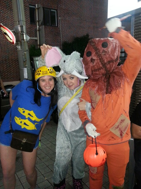 dead pumpkin, skater girl and elephant
