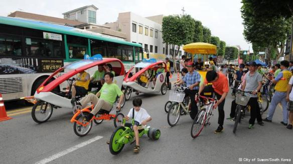 Suwon - The world's first EcoMobile Village