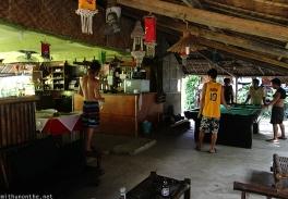 frendz-guesthouse-lounge-boracay-philippines