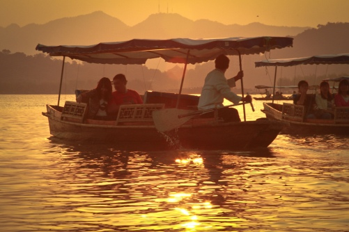 Hangzhou-West-Lake-boats-sunset-Ricky-Qi