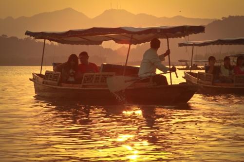 Hangzhou-West-Lake-boats-sunset-Ricky-Qi