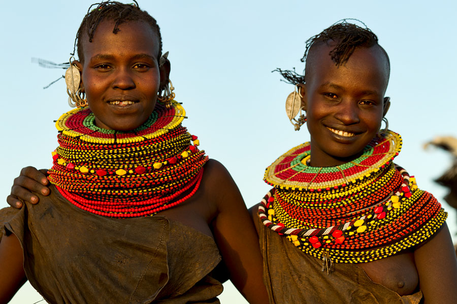 102a. Girls from the Turkana tribe - Kenya